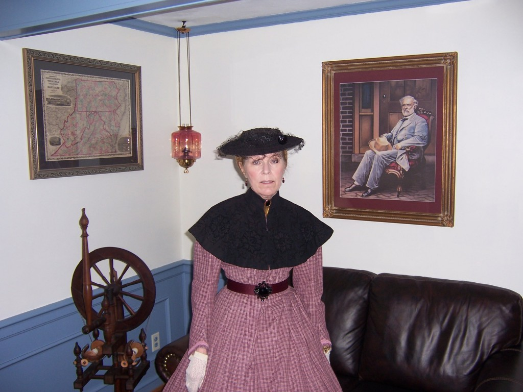 """Mrs. Lee and a portrait of the General at """"Arlington House"""""""